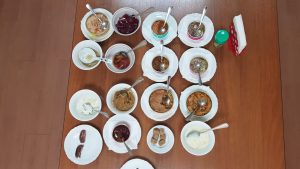 Space-Food-Tasting - Stillleben von russischer Weltraumkost in Dosen - Bild: ESA