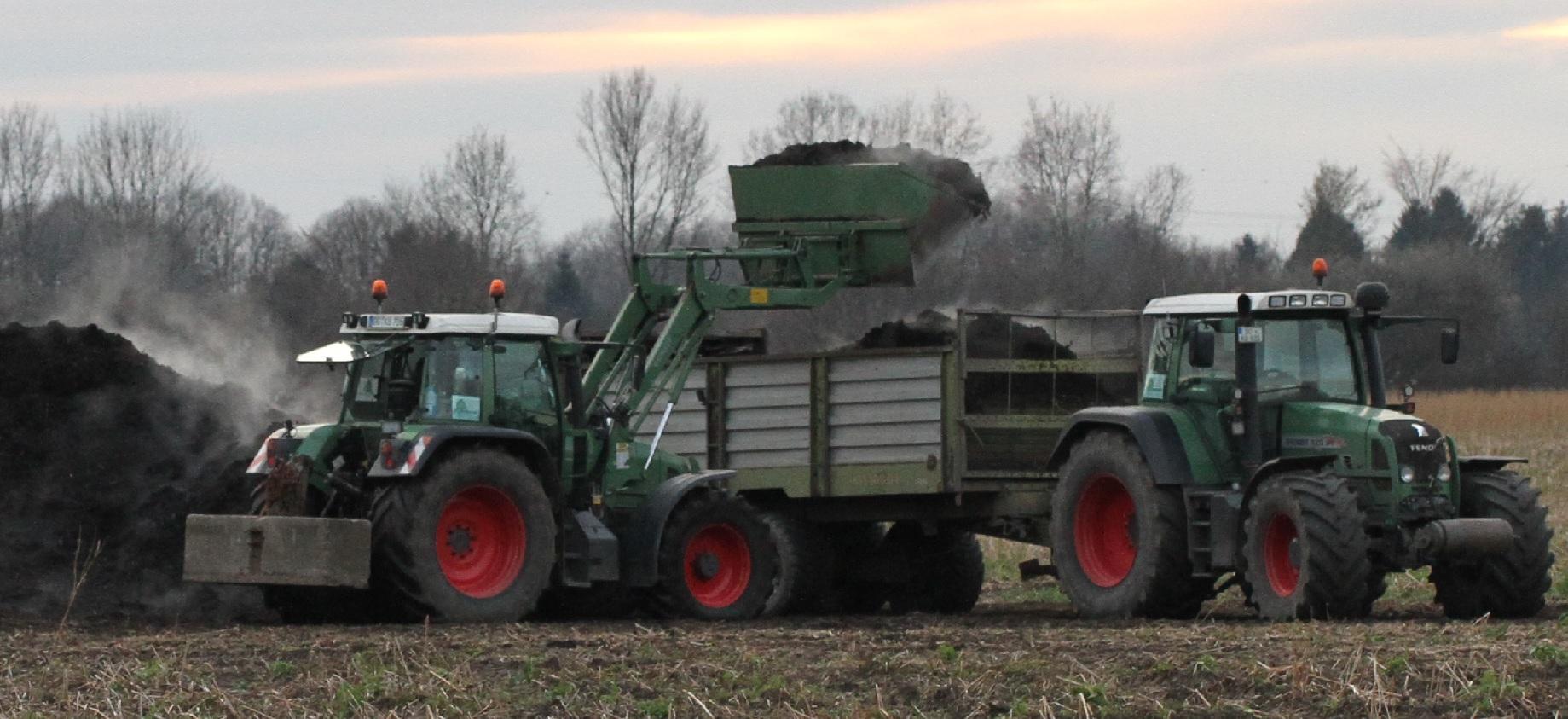 Landwirtschaft Today - Schweres Gerät auf dem Acker - Foto: Delinale.de